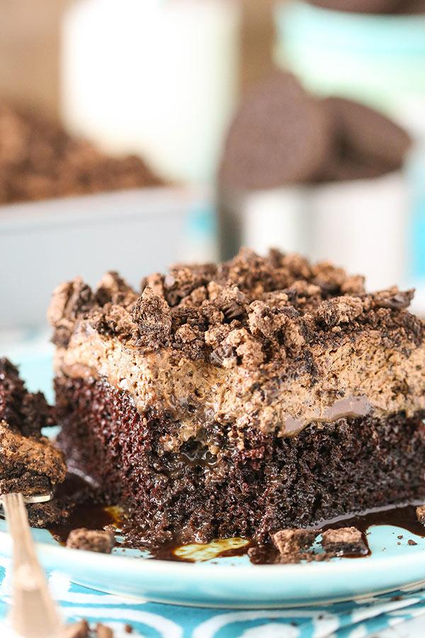 Homemade Oreo Chocolate Poke Cake