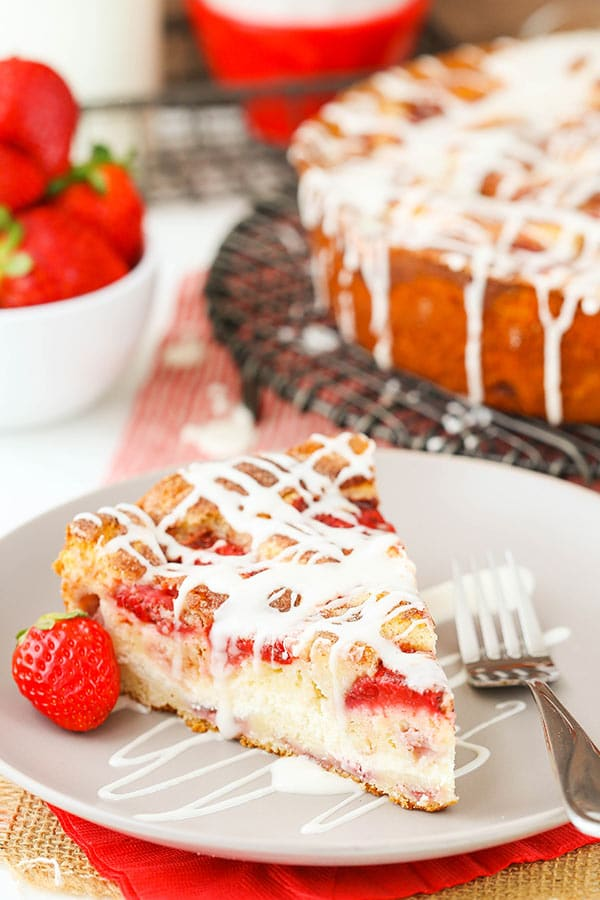 Image of a Strawberry Snack Cake With a Strawberry on a Plate