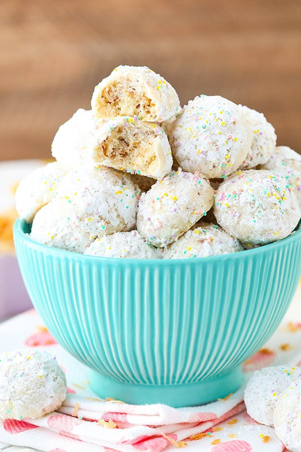 Toasted Coconut Bunny Tails! AKA Snowballs, but for Easter! Coconut flavored and delicious!