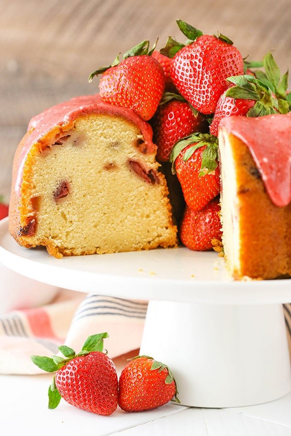 Easy Strawberry Pound Cake