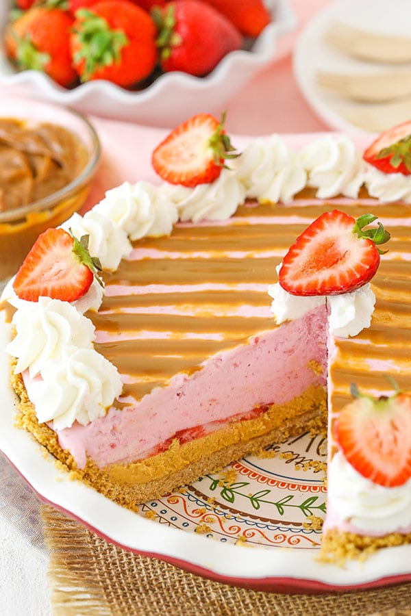 Image of a Strawberry Dulce De Leche Ice Cream Pie