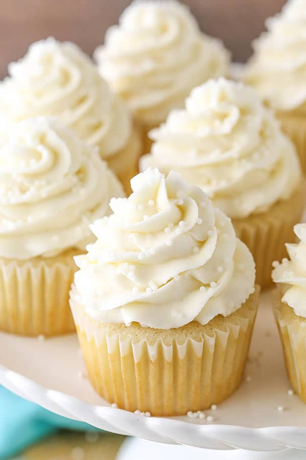 What Makes Yellow Cake Different From White Cake