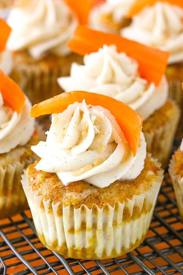Carrot Cake Cheesecake Swirl Cupcakes - super moist, delicious and a great dessert for Easter!