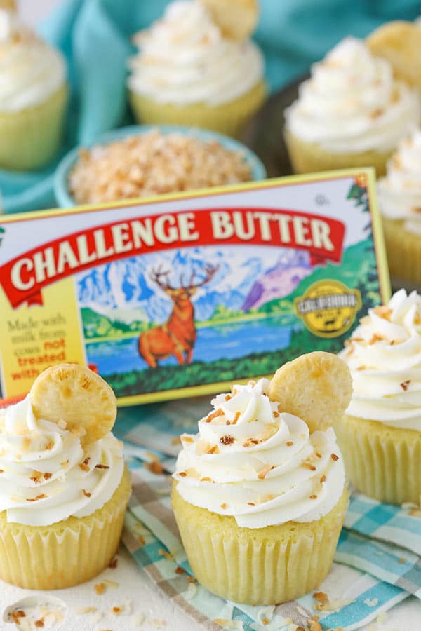 Coconut Cream Pie Cupcakes - coconut cupcakes with a cream pie filling! FULL of coconut flavor!