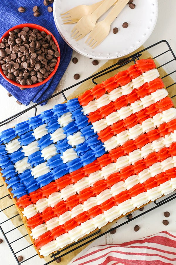 Flag Chocolate Chip Cookie Cake - a classic 9x13 chocolate chip cookie decorated with buttercream in the design of the American flag for the 4th of July!