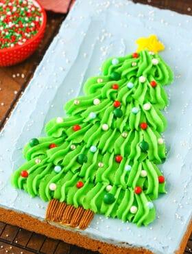 Christmas Tree Chocolate Chip Cookie Cake | Easy Christmas Dessert