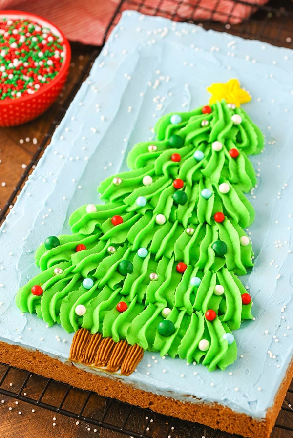 A chewy Christmas tree chocolate chip cookie cake! Great for parties and exchanges!