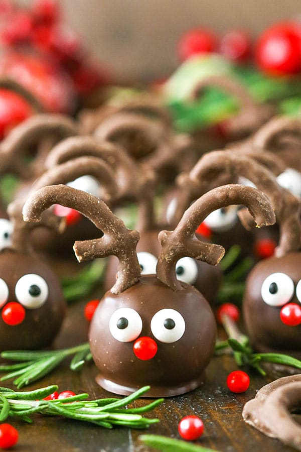 Reindeer Cookie Balls Easy Adorable Christmas Cookie Recipe