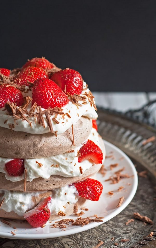 chocolate pavlova cake with fresh strawberries
