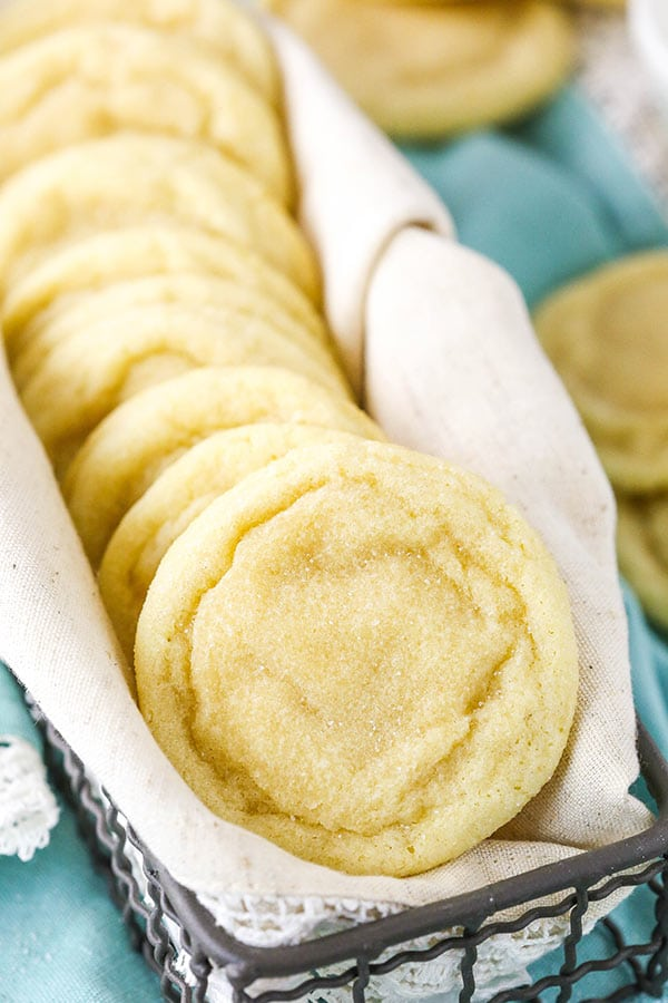 The Best Soft and Chewy Sugar Cookies - a must-have recipe for any good sugar cookie fan! These cookies require no chilling, they're quick and easy to make, buttery and full of vanilla, and wonderfully soft and chewy for DAYS!