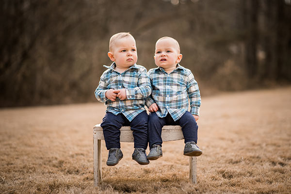 twins on bench