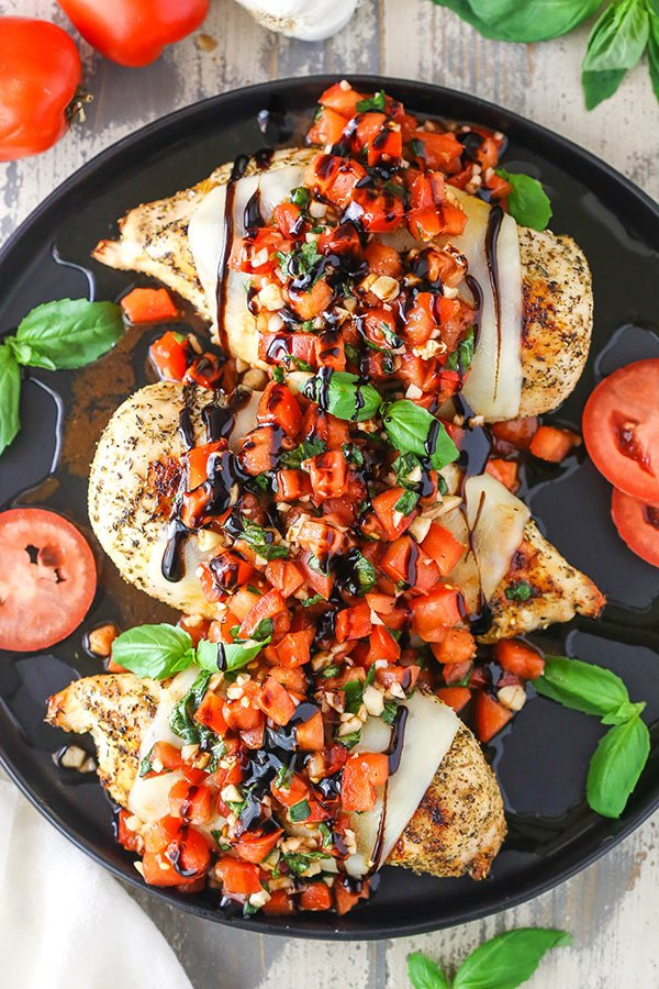 overhead picture of bruschetta chicken