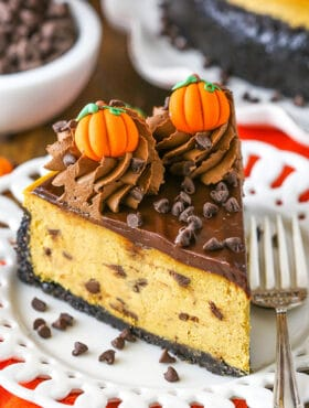 An Easy Pumpkin Cheesecake Recipe with Tons of Chocolate!