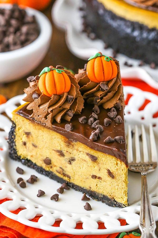 slice of pumpkin chocolate chip cheesecake
