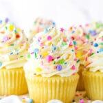 Easy Homemade Vanilla Cupcakes Recipe