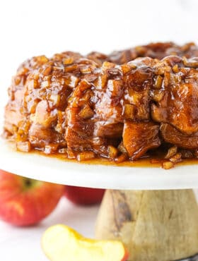 Apple Fritter Monkey Bread with Apple Slices